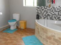 Bathroom 1 - 13 square meters of property in Pretoria Rural