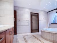 Main Bathroom - 37 square meters of property in Boardwalk Manor Estate