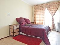 Main Bedroom - 17 square meters of property in Equestria