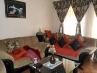 Lounges - 18 square meters of property in Westonaria