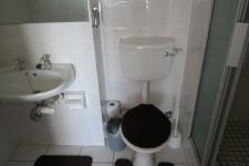 Main Bathroom - 3 square meters of property in West Beach