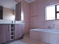Main Bathroom - 21 square meters