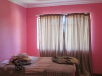 Bed Room 1 - 12 square meters of property in Deneysville