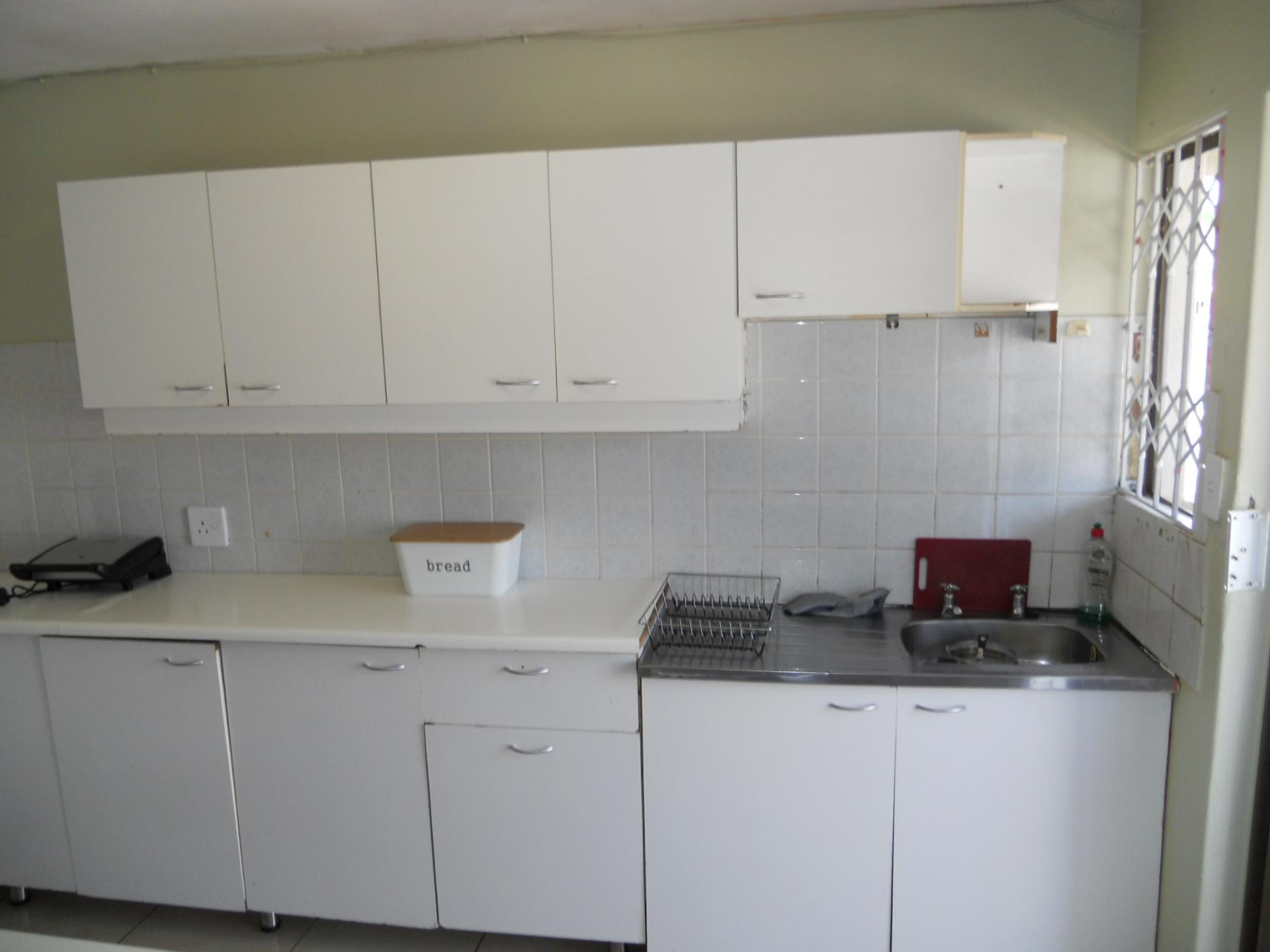 Kitchen - 8 square meters of property in Woodlands - DBN