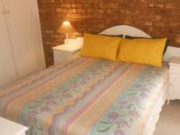Bed Room 2 - 16 square meters of property in Theresapark