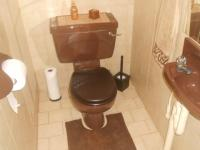 Bathroom 2 - 4 square meters of property in Theresapark