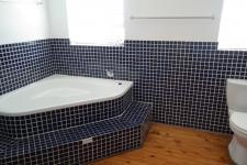 Main Bathroom - 10 square meters of property in Brackenfell