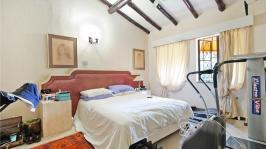 Main Bedroom - 23 square meters of property in Constantia Glen