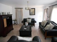 Lounges - 32 square meters of property in Glenmore