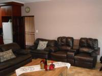 Lounges - 33 square meters of property in Benoni