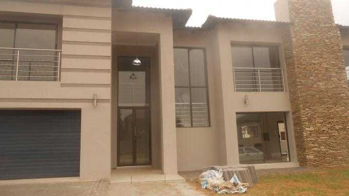 House for Sale For Sale in Tijger Vallei - Home Sell - MR136027