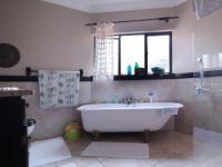 Main Bathroom - 11 square meters of property in Woodhill Golf Estate