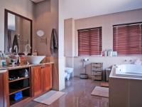 Main Bathroom - 13 square meters of property in Willow Acres Estate