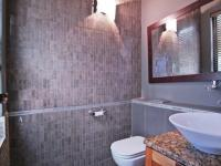 Guest Toilet - 5 square meters of property in Willow Acres Estate