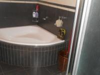 Bathroom 1 - 7 square meters