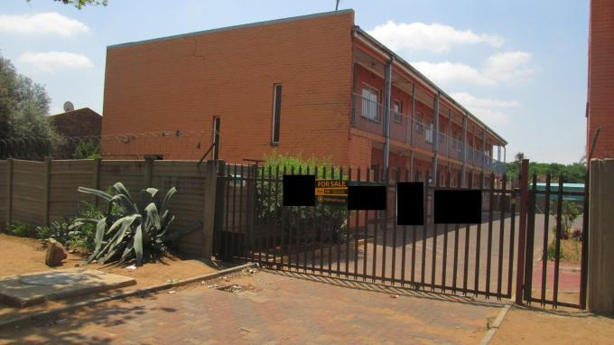 3 Bedroom Apartment for Sale For Sale in Vanderbijlpark - Home Sell - MR136085