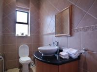 Guest Toilet - 6 square meters of property in Silver Lakes Golf Estate