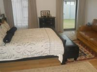 Main Bedroom - 30 square meters of property in Midlands Estate