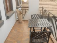 Balcony - 9 square meters of property in Midlands Estate