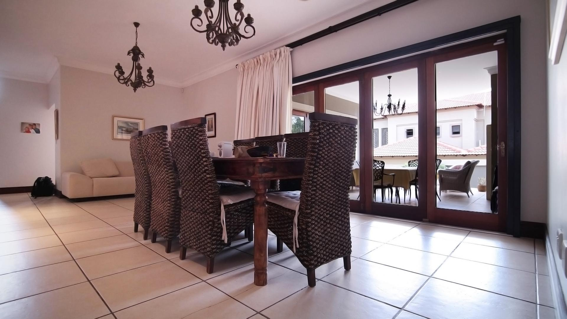 Dining Room - 28 square meters of property in Boardwalk Manor Estate