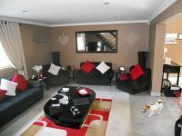 Lounges - 28 square meters of property in Margate