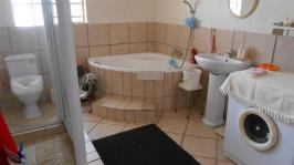 Main Bathroom - 12 square meters of property in Delmas