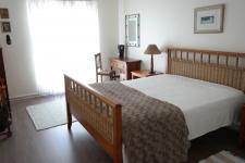 Bed Room 1 - 20 square meters of property in Somerset West