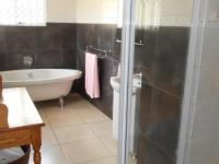 Bathroom 2 - 11 square meters