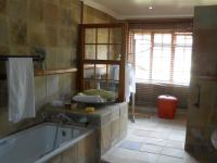 Main Bathroom - 18 square meters