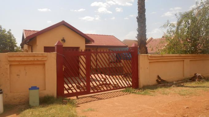 3 Bedroom House For Sale in Soshanguve - Home Sell - MR136285