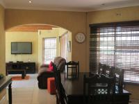 Dining Room - 49 square meters of property in Glenvista