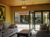 Lounges - 56 square meters of property in Glenvista