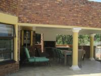 Entertainment - 38 square meters of property in Glenvista