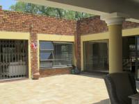 Spaces - 25 square meters of property in Glenvista