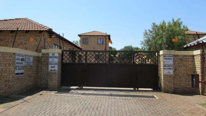 Standard Bank EasySell 2 Bedroom Sectional Title for Sale For Sale in Witpoortjie - MR136346