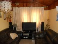 Lounges - 15 square meters of property in Lamontville