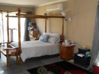 Main Bedroom - 33 square meters of property in Impala Park