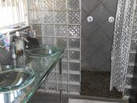 Main Bathroom - 9 square meters of property in Impala Park