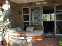 Patio - 9 square meters of property in Impala Park
