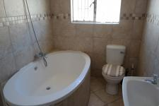 Bathroom 1 - 5 square meters of property in Brantwood