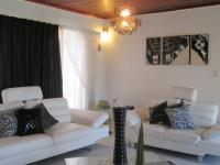 Lounges - 25 square meters of property in Lenasia South