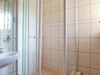 Bathroom 3+ - 2 square meters of property in Silver Lakes Golf Estate