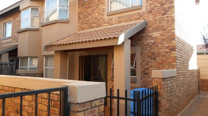 2 Bedroom Duplex for Sale For Sale in Kempton Park - Private Sale - MR136514