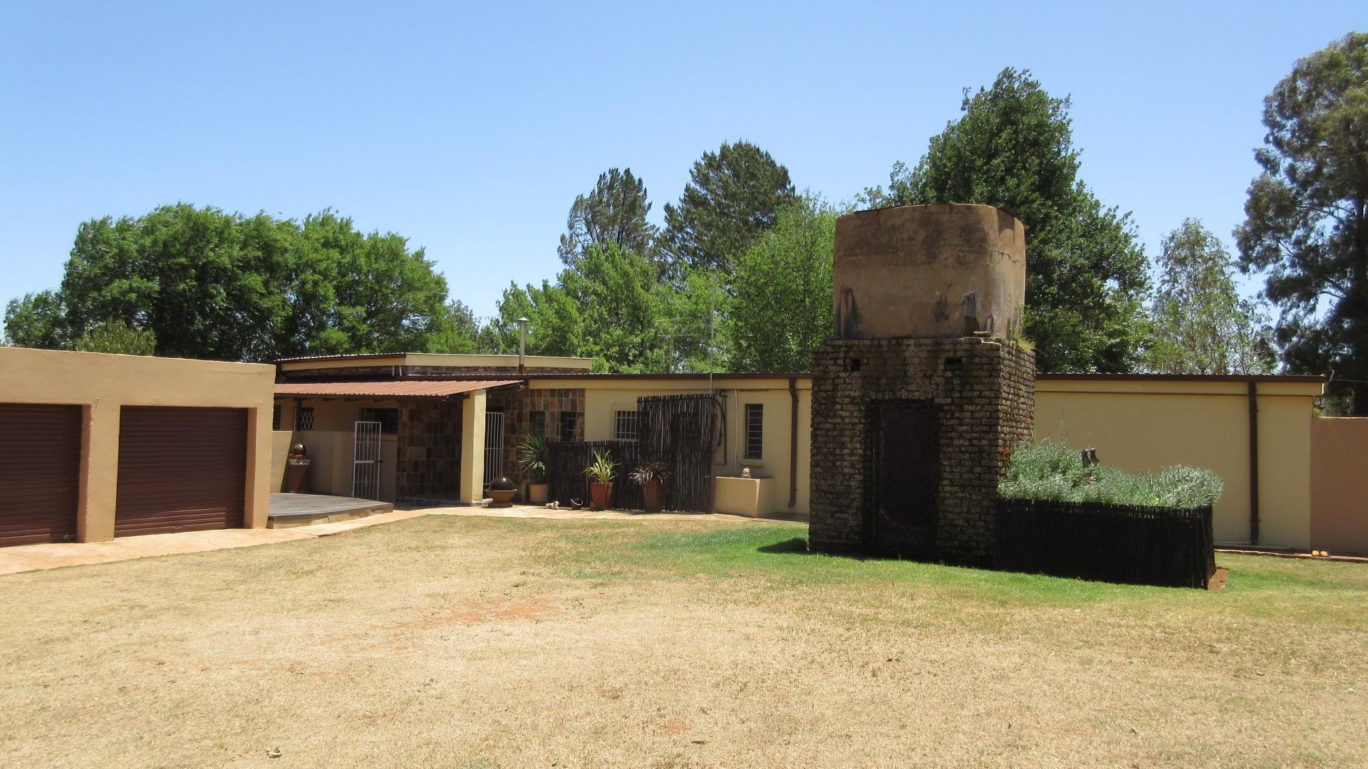 Front View of property in Magaliesburg
