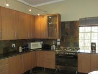 Kitchen - 10 square meters of property in Magaliesburg