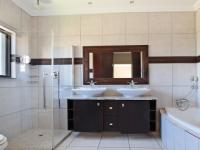Main Bathroom - 9 square meters of property in Silver Stream Estate