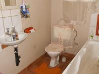Bathroom 1 - 7 square meters of property in Witfield
