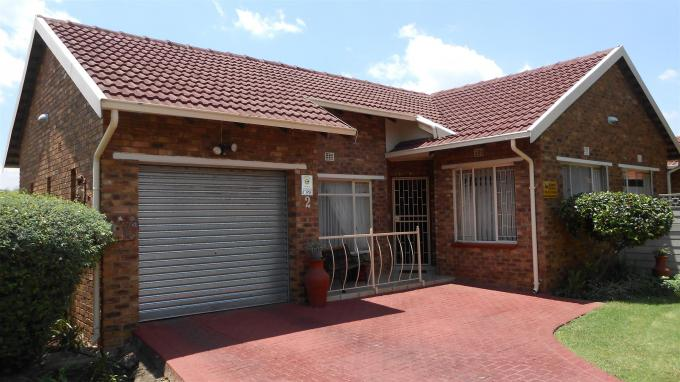 3 Bedroom House for Sale For Sale in Sunward park - Private Sale - MR136622