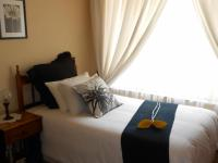 Bed Room 1 - 10 square meters of property in Sunward park