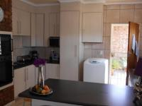 Kitchen - 15 square meters of property in Sunward park